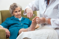 How to Manage Elderly Feet